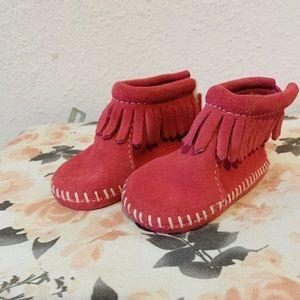 Minnetonka baby shoes size 1